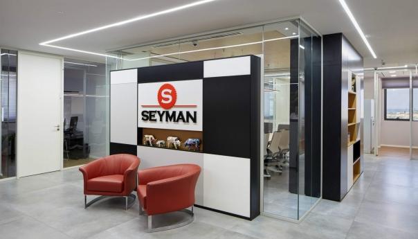 מחיצות משרדי סיימן