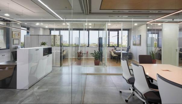 משרדי סיימן הרצליה מחיצות